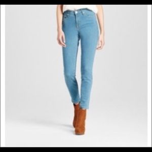 Mid-Rise Skinny Power Stretch Jeans